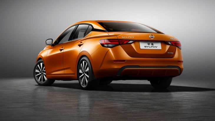 Versão global do Nissan Sentra começará a ser vendida no dia 19 de novembro.