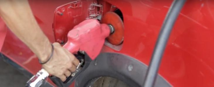 Saiba como fazer seu carro consumir menos combustível.
