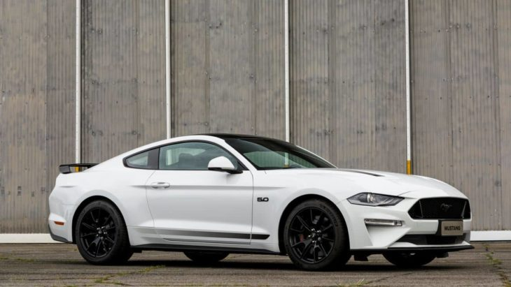 Ford apresenta novo modelo do Mustang, o Black Shadow.