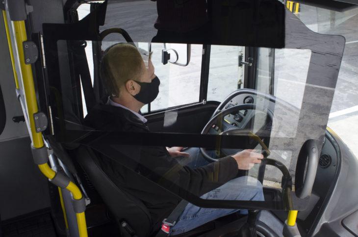 Marcopolo desenvolve proteção para motorista e cobrador
