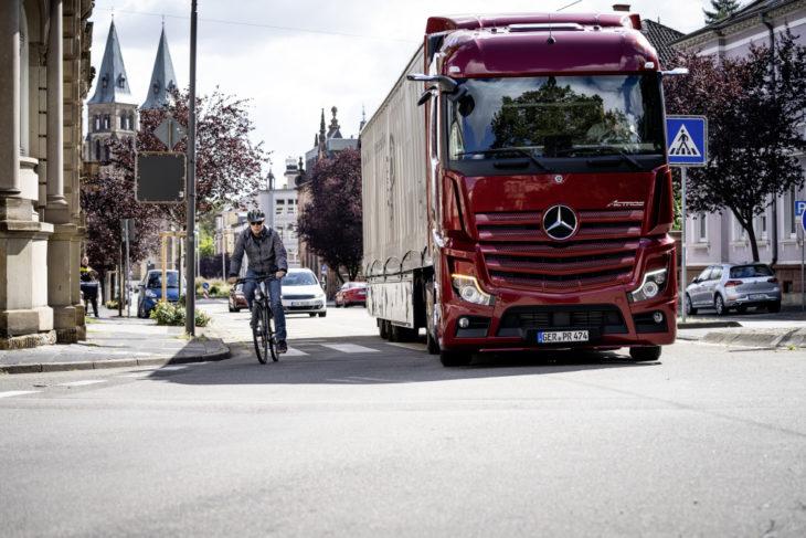 Mercedes caminhão