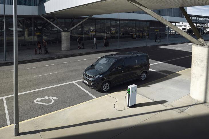 Peugeot e-Traveler